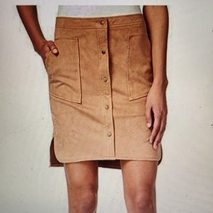 Bar 3 women's faux suede snap front skirt